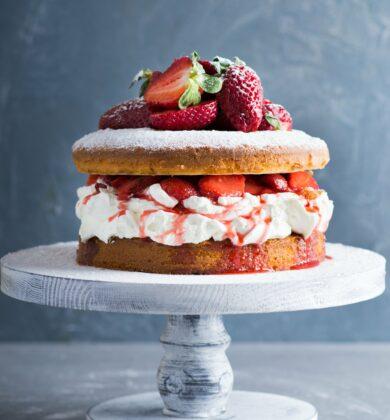 Victoria Sponge Cake (1)